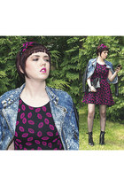 black rocker Topshop boots - black lip print Ebay dress