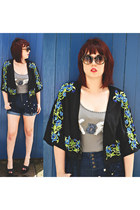 heather gray handmade Korn vest - black floral kimono Boohoo jacket