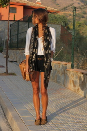 scarf - shorts - blouse