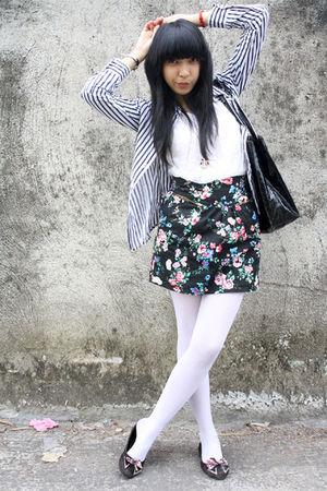black H&M shirt - black unbranded skirt - white Apple tights - black eYota shoes