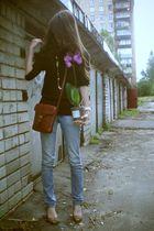 blue H&M jeans - black H&M sweater - brown purse - brown shoes - gold accessorie