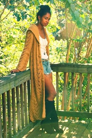Nordstrom cardigan - Forever 21 top - Levis shorts - Aldo boots