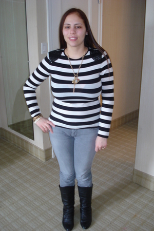 black Forever 21 shirt - gray Levis jeans - black Chinese Laundry boots - Foreve