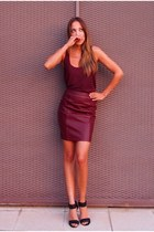 brick red James Perse top - brick red leather Mint & Berry skirt