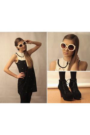 gold asos bracelet - black and white asos dress - baroque OASAP sunglasses