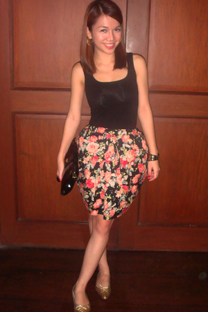Glitterati skirt - Mango top - SM shoes - Tiendesitas bracelet - ESPADA purse -