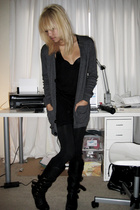 black boots Steve Madden shoes - gray American Apparel sweater