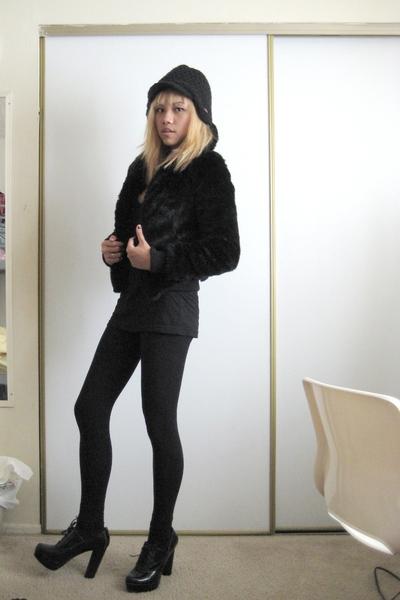 black faux fur H&M coat - black Forever 21 shoes - black hat