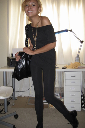 black Forever 21 tights - black thrifted shoes - black Charlotte Russe purse - F