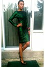 Green-tube-bespoke-dress-black-t-strap-qupid-sandals