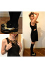 Black-oxfords-shoes-black-overall-atmosphere-dress-black-socks