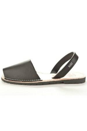 Pons sandals