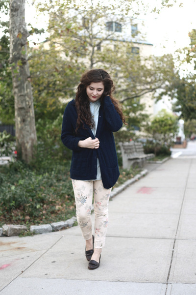 navy navy vintage cardigan - light pink floral print gypsy warrior jeans