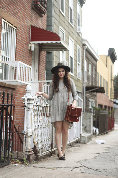 leather Billy Kirk bag - striped In God We Trust dress - wool SCALA hat