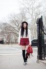 Ruby-red-plaid-boohoo-shorts-white-cropped-boohoo-blouse