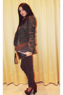 Tawny-shoes-dark-brown-jeans-light-brown-jacket-dark-brown-bag