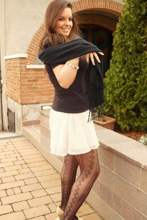 black Sanpellegrino tights - peach H&M skirt - dark brown H&M t-shirt