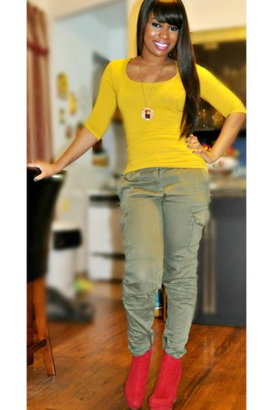 mustard Forever 21 shirt - olive green H&M pants - ruby red GoJane wedges