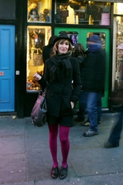 Pepe Jeans hat - Moschino scarf - Calcedonia panties - Igualados shoes - Episode