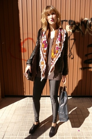 Pepe Jeans coat - Zara sweater - HyM leggings - Igualados shoes