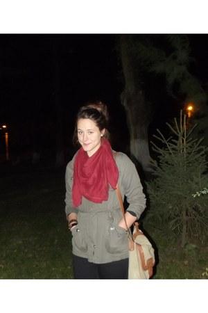 red Bershka scarf