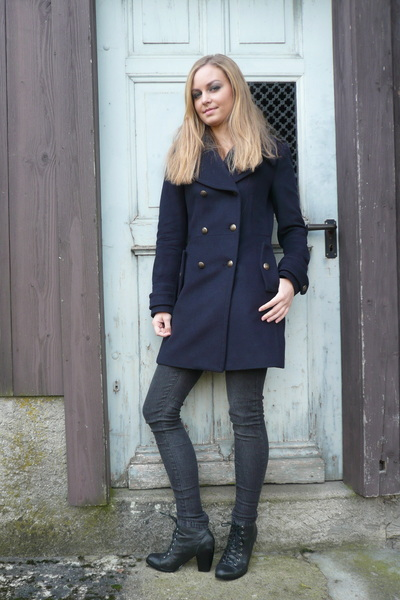 blue Zara coat - gray Vero Moda jeans - black Urban Outfitters shoes