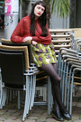 Black-dr-martens-shoes-lime-green-zara-skirt