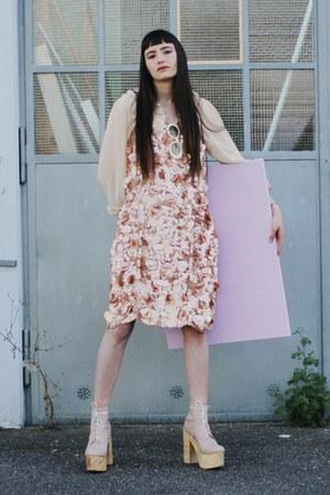 beige leather Deandri shoes - light pink sequin asos dress