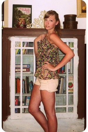 orange Miss Me shorts - floral blouse