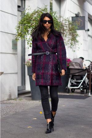 maroon cardigan - black shoes - black jeans - black purse - black belt