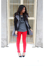 red twill pants French Connection pants - black pointed heels Aldo shoes
