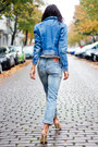 Light-blue-levis-jeans-light-blue-levis-jacket