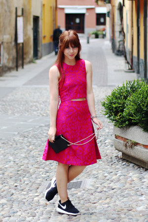 black messenger asos bag - hot pink leopard print Sister Jane skirt