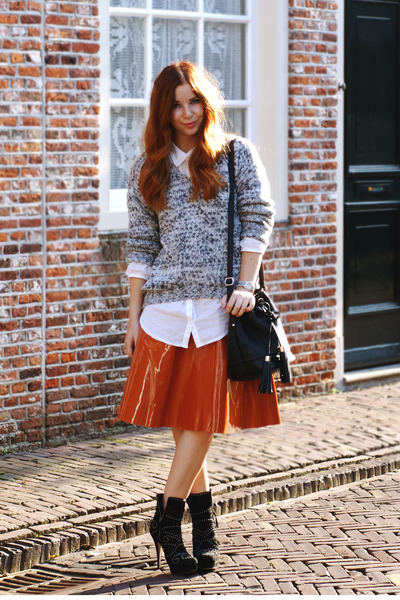 carrot orange patent asos skirt - black studded Miu Miu boots