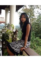 zebra print skirt - black top