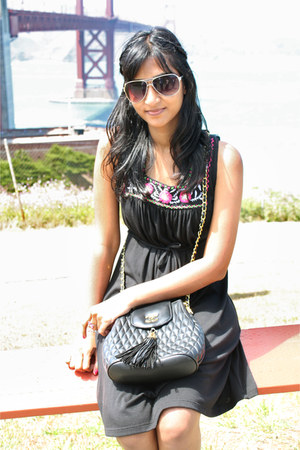 black dress - black bag - black sandals