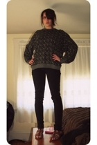 vintage sweater - American Apparel pants - H&M shoes