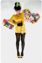 yellow juzzie dress - gold dhievine leggings - yellow winna shoes - black Pinky