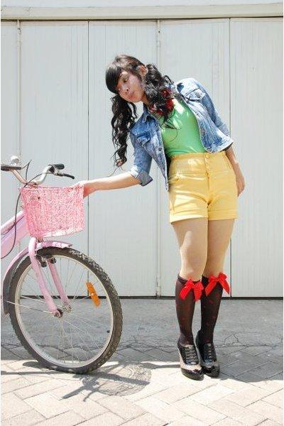 blue distincUt jacket - black Rotelli shoes - gold juzzie shorts - green monic t