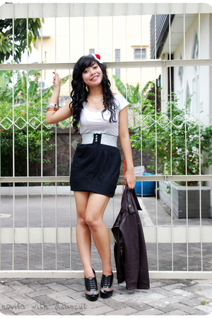 silver Angel top - black jeans rep shorts - black Rotelli shoes - black classy j