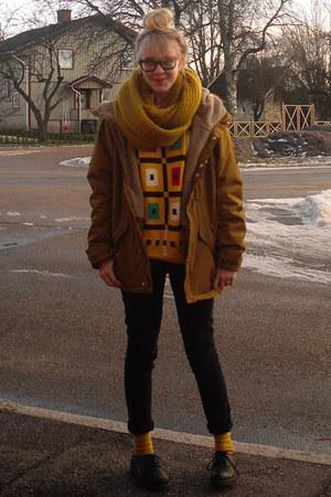 gold vintage sweater - black Din Sko shoes - black GINA TRICOT jeans