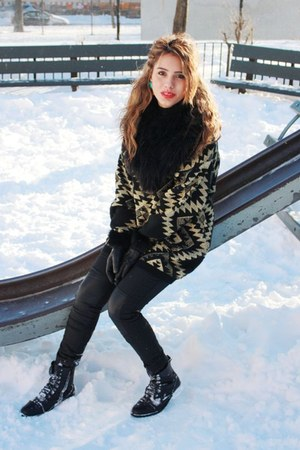 gold vintage sweater - black Bucco boots - black H&M pants
