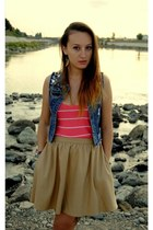 blue denim vest - pink striped top - beige Zara skirt