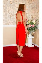 Red Love : : Backless Dress