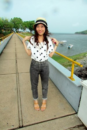 polka dots blouse - jeans