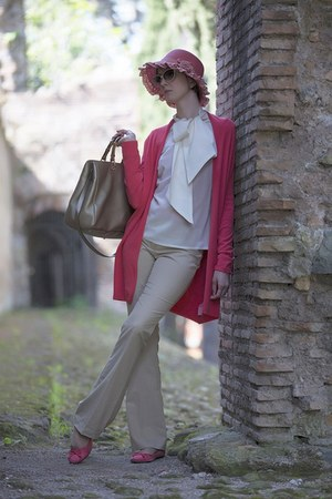 hot pink hat - Gucci bag