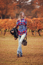 Tally Weijl shirt - ripicca shoes - tokidoki jeans - Alviero Martini bag
