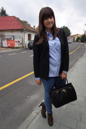 blue H&M jeans - dark brown boots - black H&M blazer - navy Zara shirt
