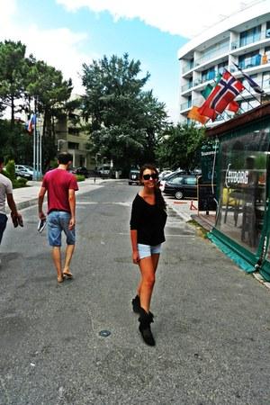 mineli boots - Bershka jeans - banana republic sunglasses - Orsay blouse