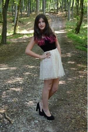 black dress - cream dress - black heels